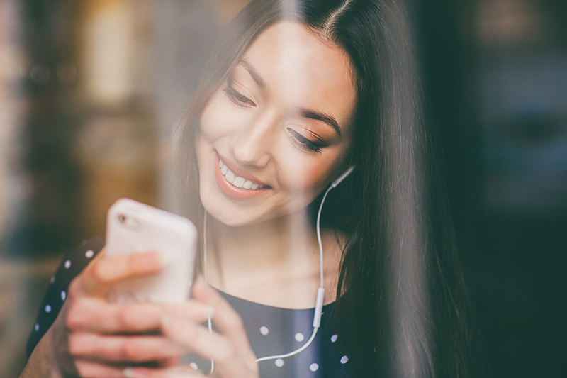 Features to include in digital music apps by Adoriasoft blog